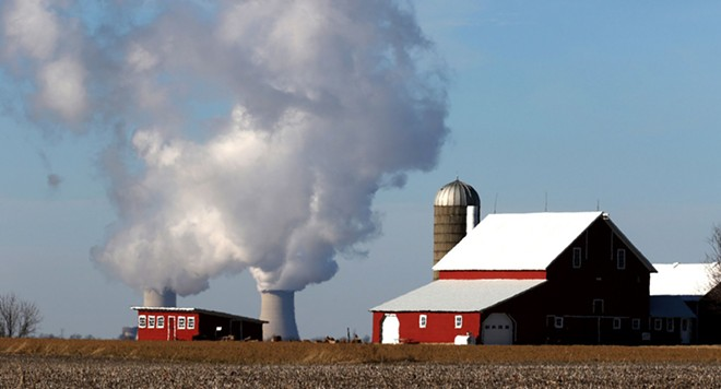 Exelon says that it will close the Byron Nuclear Generating Station near Rockford, pictured, and another in Grundy County unless Illinois lawmakers grant subsidies. - CREDIT: CHUCK BERMAN/TNS