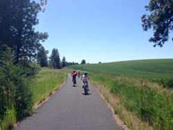 360_latahtrail-riding-through-the-fields-and-trees-of-the-Palouse.jpg