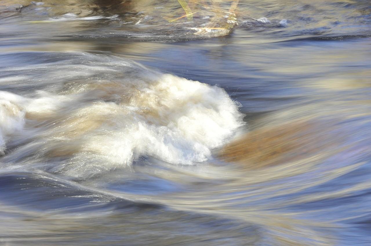 water-195926_1280.jpg