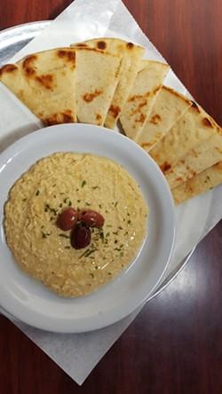 The hummus dip plate