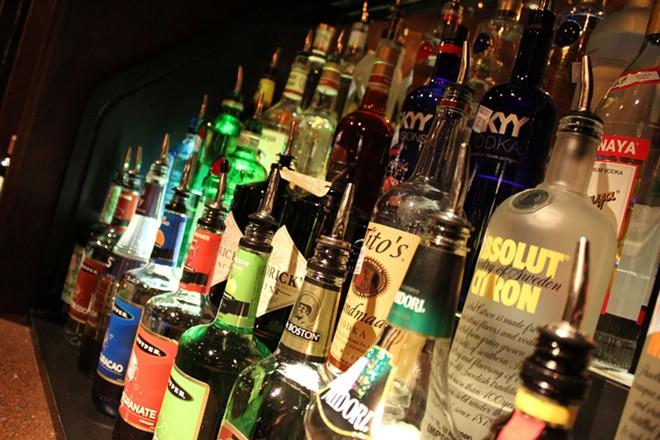 liquor-264470_1920.jpg