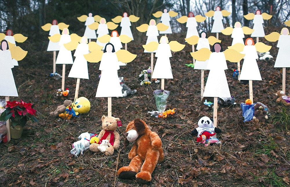 A memorial for the Newtown shooting. - SPENCER PLATT/GETTY IMAGES PHOTO