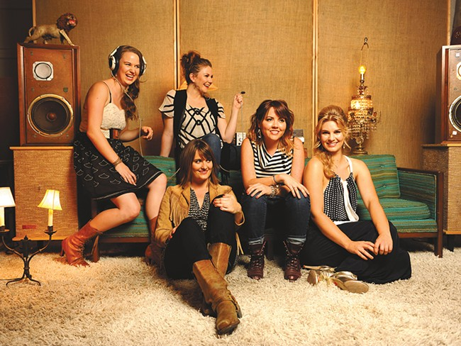 All-female bluegrass group Della Mae brightens up Medical Lake this weekend..