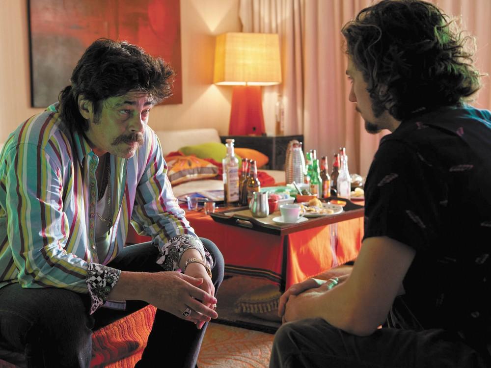 Benicio Del Toro: born to play a goon like this.