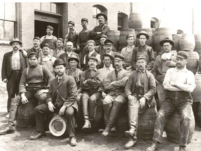Bernhardt Schade (Front) in 1909