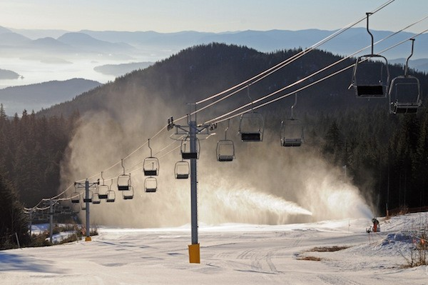 Snowmaking at Schweitzer.