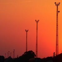 City council halts new cell towers