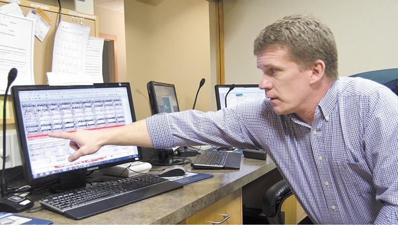 """Curt Helsper of the Aspen Sleep Center finds one patient's problem: """"When he's sleeping he's not breathing."""" - JACOB JONES"""