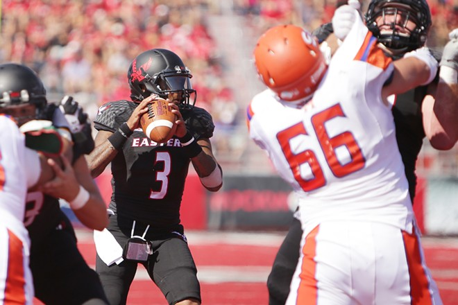 Eastern Washington quarterback Vernon Adams Jr. (3) looks for a receiver during the second half. - YOUNG KWAK