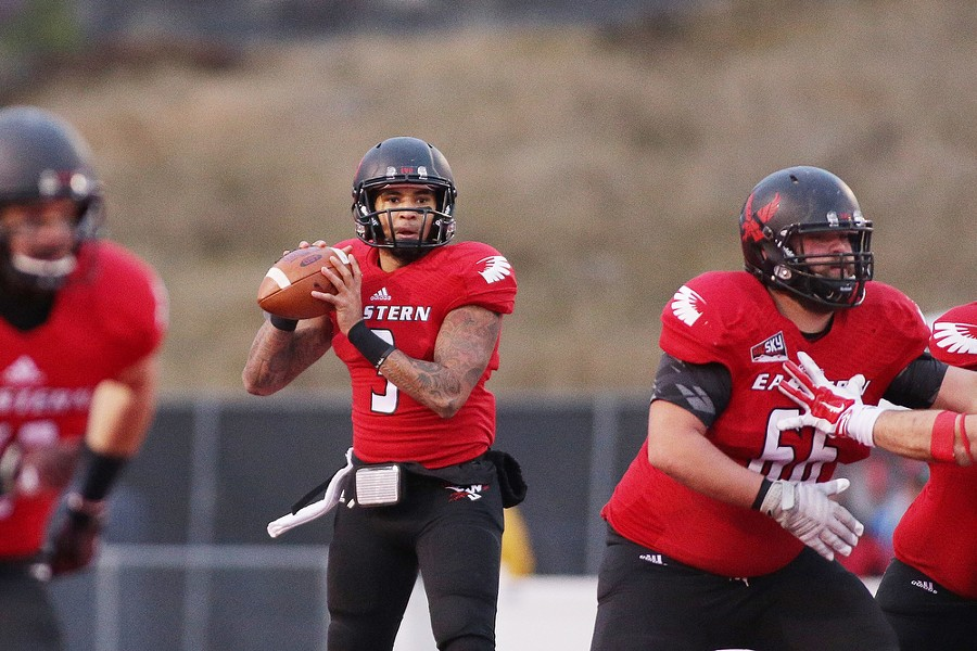 Eastern Washington quarterback Vernon Adams Jr. (3) looks for a teammate to pass to against Illinois State during the second half. - YOUNG KWAK