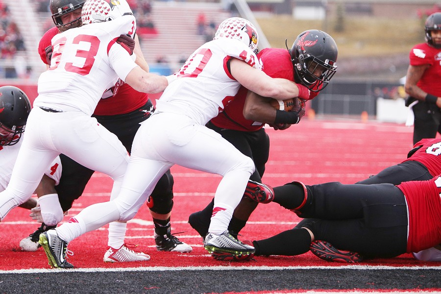 Eastern Washington running back Jabari Wilson (2) runs in for a touchdown against Illinois State linebacker Alex Donnelly (40) during the first half. - YOUNG KWAK