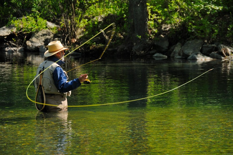 fly_fishing_on_the_swift_river.jpg