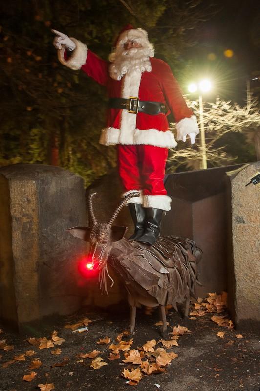 santa_and_trash_goat.jpg