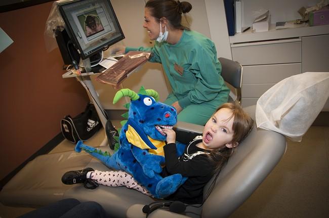 ewu_dentalhygiene_corimedeiros_oct2011_6.jpg