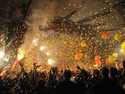 _resized_300x225_flaming_lips_confetti_795498.jpg