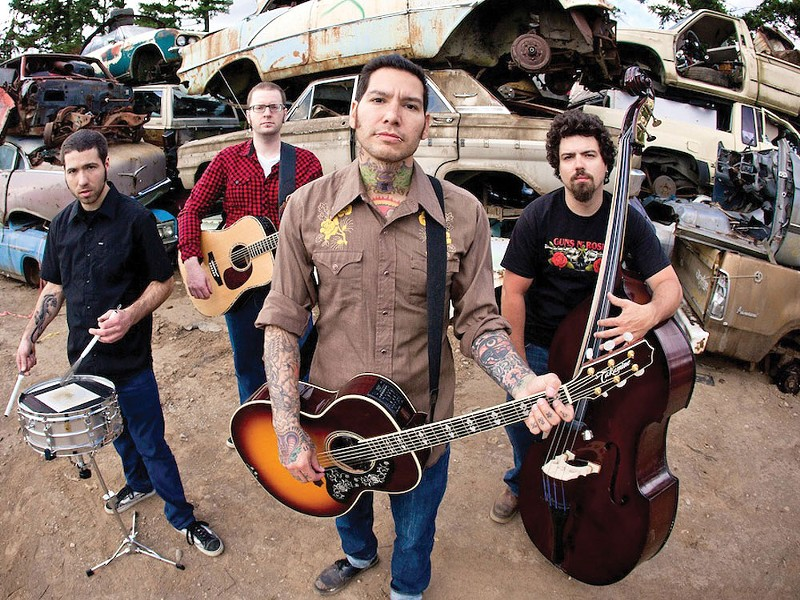 Mike Herrera (center): a countrified punk.