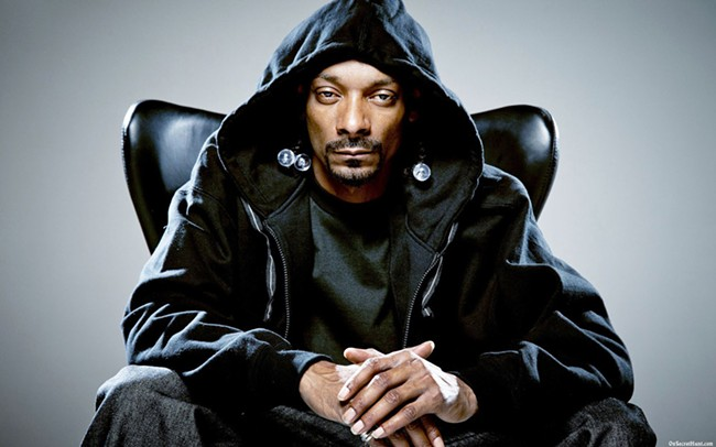 Snoop Dogg is developing his own line of vaporizer pens and accessories.