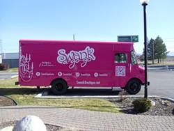 Spokane's Swank Boutique fashion truck. - FASHIONTRUCKFINDER.COM