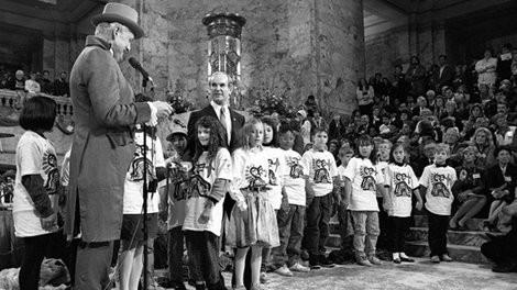 Swearing-in ceremony for the first group of Centennial Time Capsule Keepers in 1989.