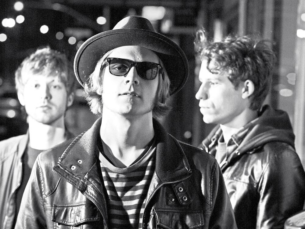 The Soul and the Machine (L to R): Elan Toby, Kurt Gyllstrom, Scott Gyllstrom - YOUNG KWAK