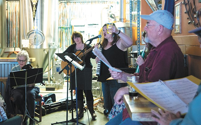 Sarah Graham leads the Beer Choir - TARYN PHANEUF