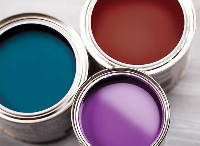 The tones of 2018 are Ultra Violet from Pantone, Caliente from Benjamin Moore, and Oceanside from Sherwin-Williams