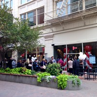 MOD Pizza opens downtown, citizenry braves elements for shot at free pizza