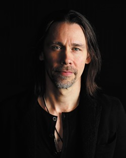 Myles Kennedy - YOUNG KWAK