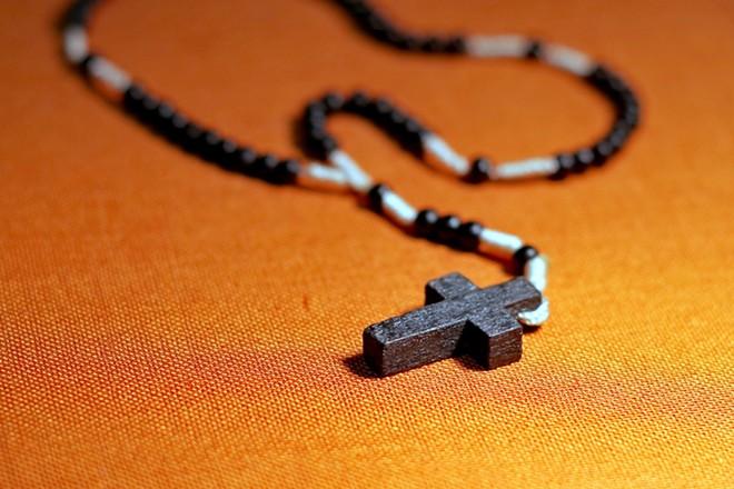 the-rosary-1769481_1920.jpg