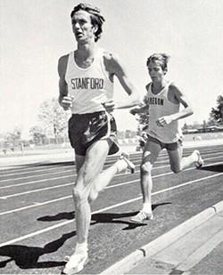 BLOOMSDAY FOUNDER DON KARDONG (LEFT) RUNNING AGAINST STEVE PREFONTAINE.