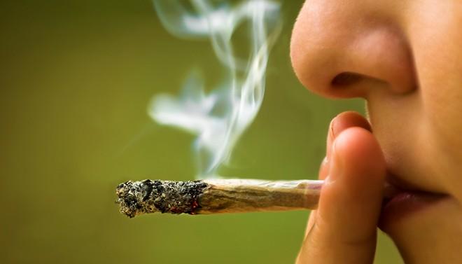 woman-smoking-pot.jpg