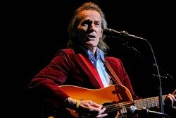 gordonlightfoot-500x333.jpg