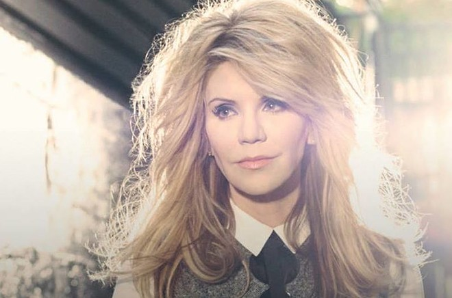 Alison Krauss and Willie Nelson perform on Aug. 3.