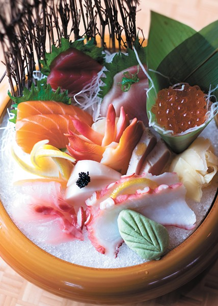 The Sashimi Deluxe. - HECTOR AIZON