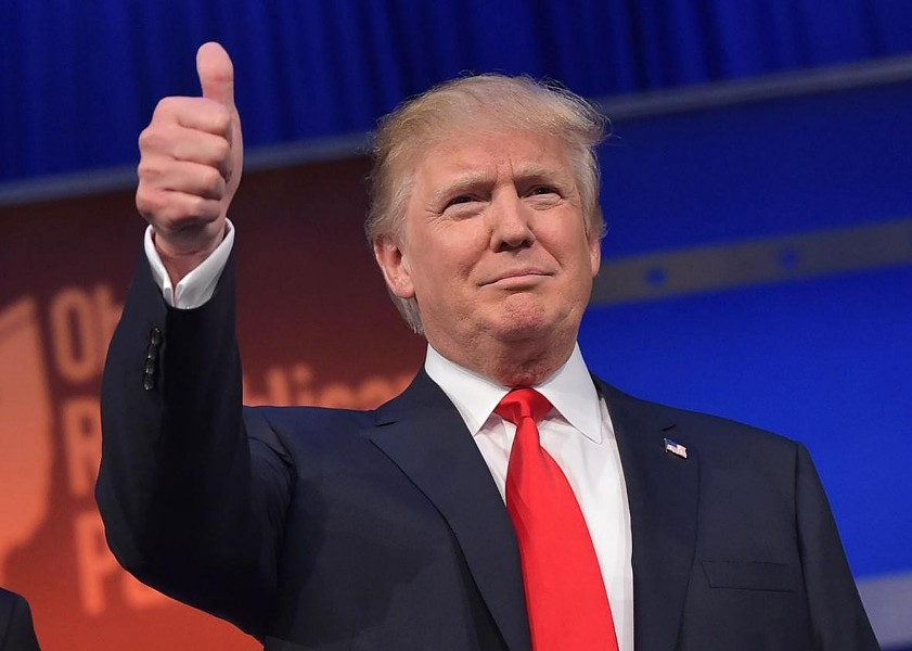 483208412-real-estate-tycoon-donald-trump-flashes-the-thumbs.jpg