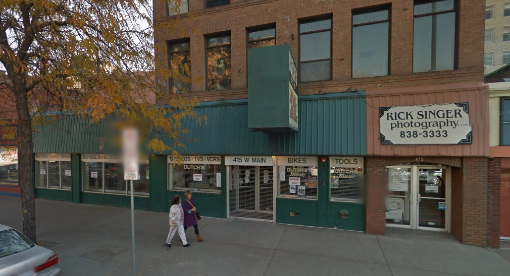 Above: Dutch's closed back in October 2013, around the time this street view image was captured. - GOOGLE