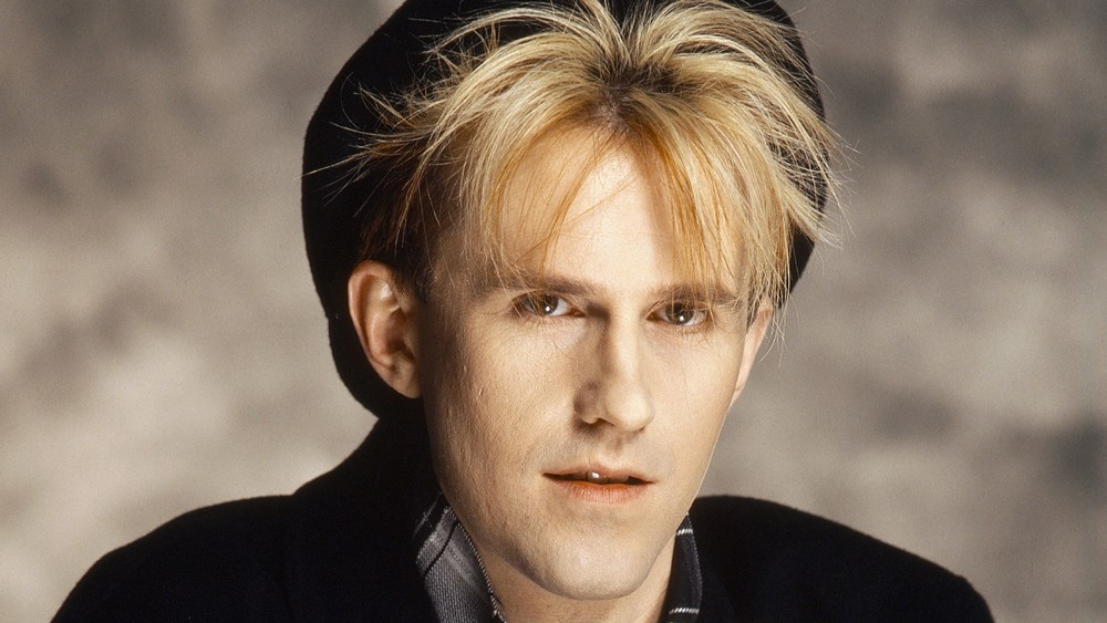 Howard Jones continues to play his '80s hits at headlining shows and retro festivals.