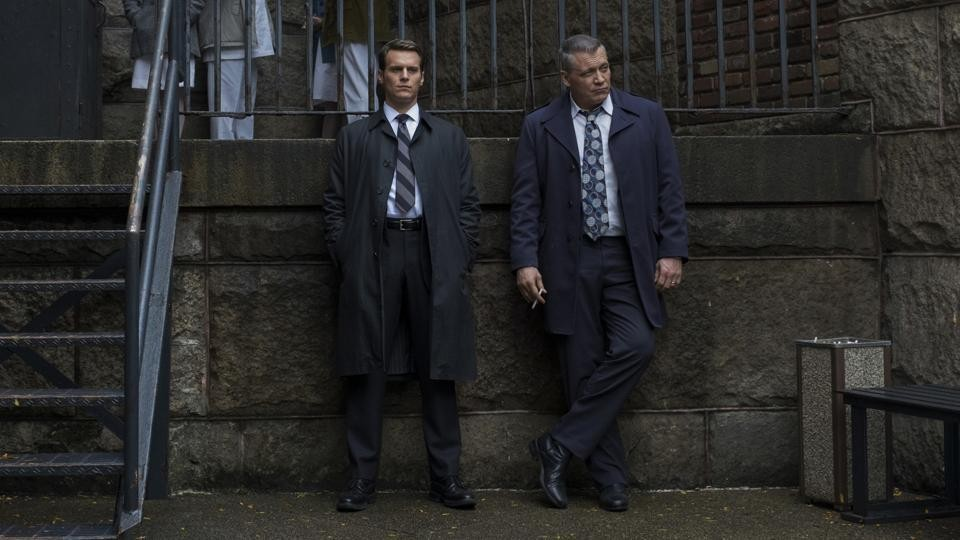 Jonathan Groff and Holt McCallany in Mindhunter.