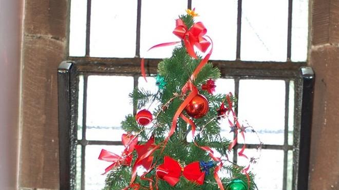 Tree Of Giving Christmas Cheer Day Spokane 2020 Karie Rai | The Pacific Northwest Inlander | News, Politics, Music