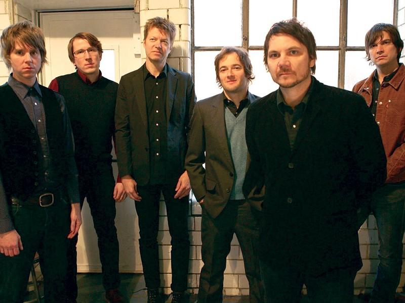 Wilco (L to R): Pat Sansone, Mikael Jorgensen, Nels Cline, John Stirratt, Jeff Tweedy, Glenn Kotche