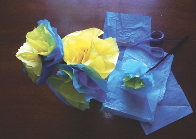 Tissue paper flowers project kids vt small people big ideas corner though its pretty hard to tell in vermont dont let mud season get you down brighten up with a bouquet of these simple tissue paper flowers mightylinksfo