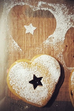 Linzer hearts - SAM SIMON