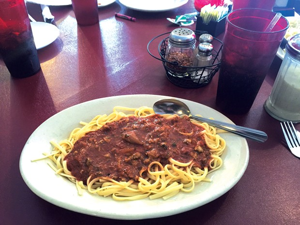 Linguine with red clam sauce - CATHY RESMER