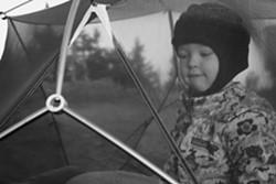 Elise in the tent. - TRISTAN VON DUNTZ