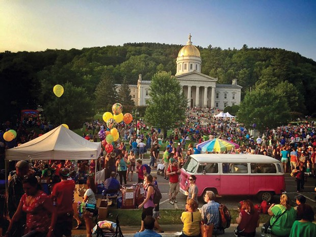Vermont Statehouse - DARYL BURTNETT