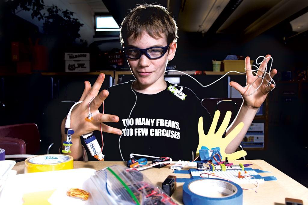 Juilan with his littleBits creation - SAM SIMON