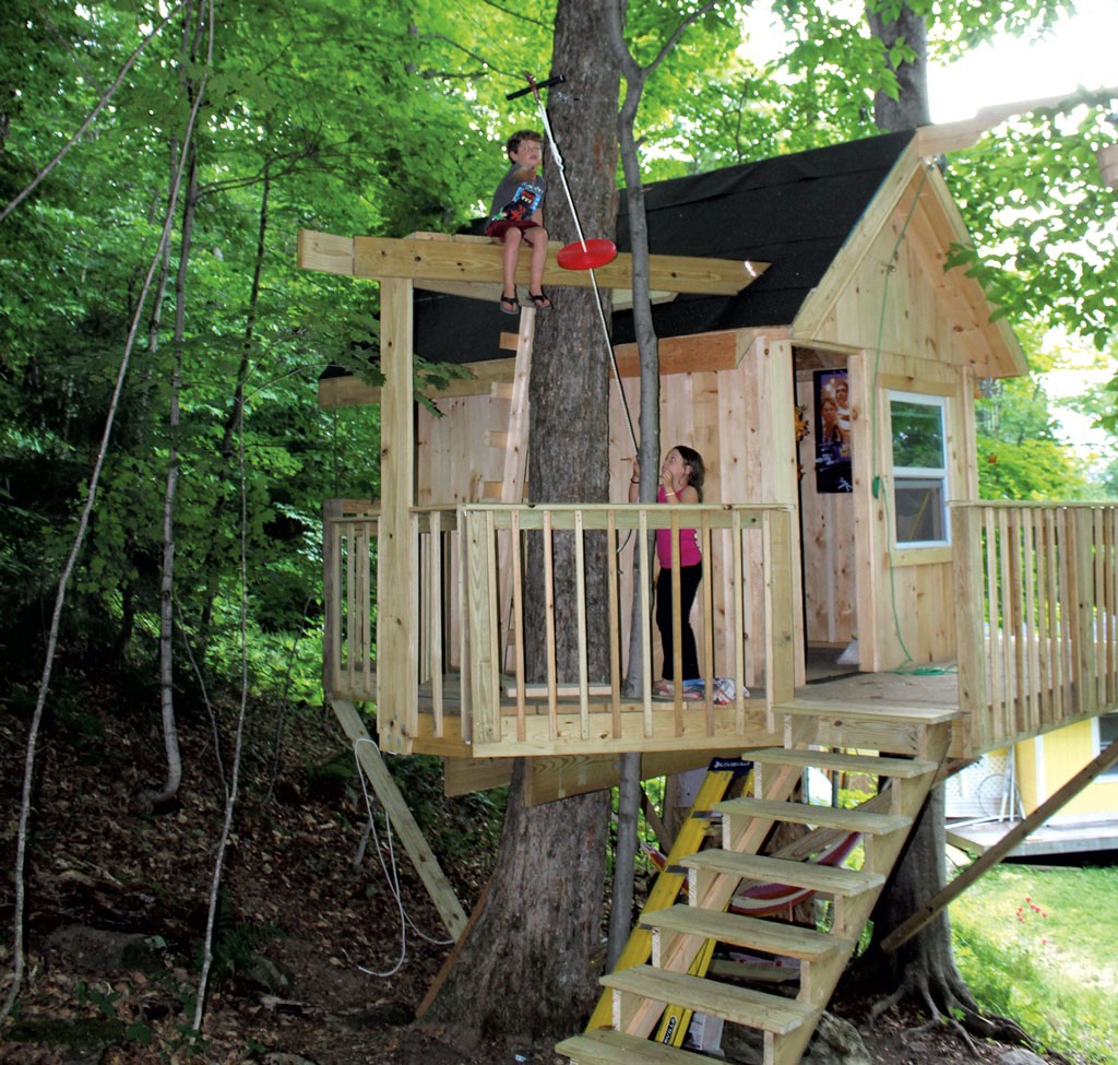A backyard tree house with zip line and hammock habitat kids vt small people big ideas - Cabane de jardin igloo ...