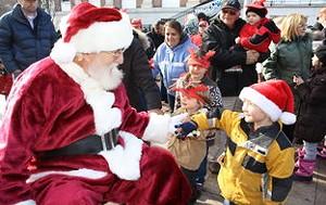 rsz_santa-parade.jpg
