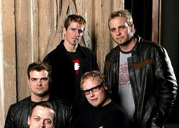 3 Doors Down Gives Back, Digs Rush