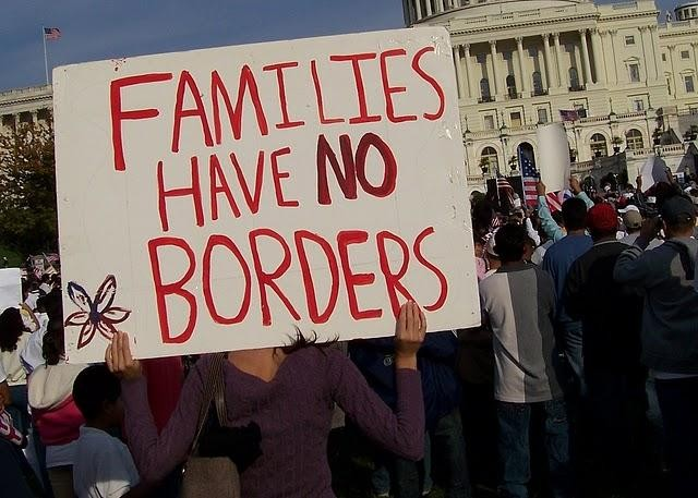 2009-10-13-immigration-reform-rally-photos-149.jpg